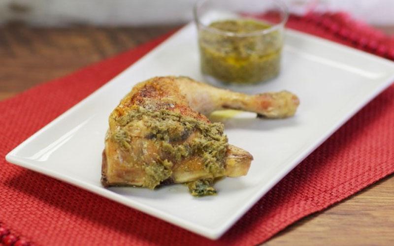 Pollo con Salsa di Paccheri